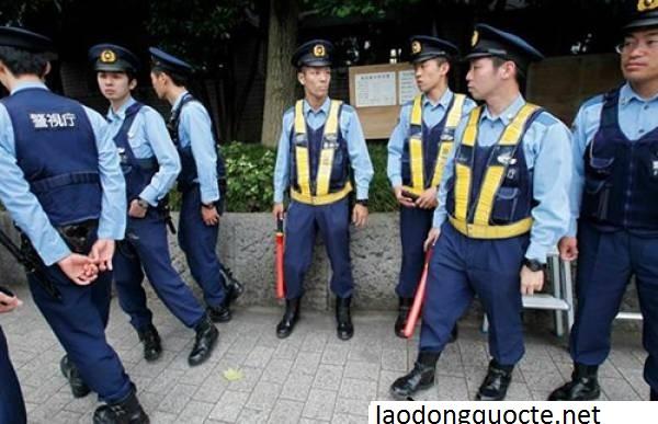 Cảnh-sát-Nhậ- Bản.