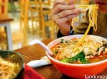 Hàng loạt nhà hàng Trung Quốc tẩm thuốc phiện đồ ăn để giữ khách