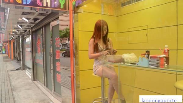 Những cô gái Đài Loan kiếm sống bất chấp hiểm họa từ trầu