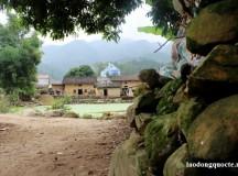 Ngôi làng được quây bằng đá ở Lạng Sơn