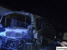 Xe khách tuyến Nghệ An – Lào bốc cháy, 5 người thương vong