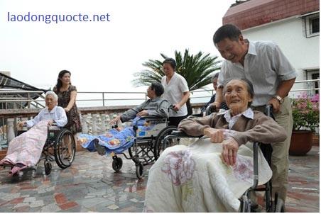 hộ-lý-lam-việc-tại-Đài-Loan