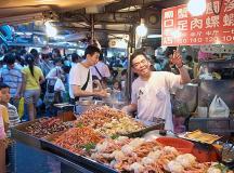 Du Lịch Đài Loan thưởng thức đặc sản vỉa hè vừa ngon vừa rẻ.